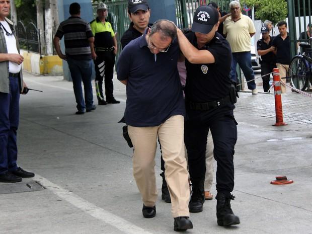Expurgo de militares e funcionários públicos envolve mais de 58 mil  (Foto: Depo Photos via AP)