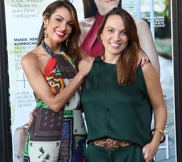 Patrícia Poeta, nossa cover girl de fevereiro, com a diretora de redação Marina Caruso (Foto: Reginaldo Teixeira)