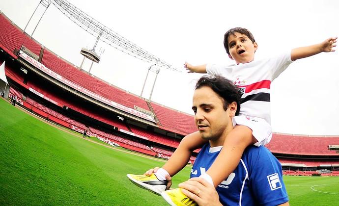 Felipe Massa e filho pilotos futebol (Foto: Marcos Ribolli / Globoesporte.com)