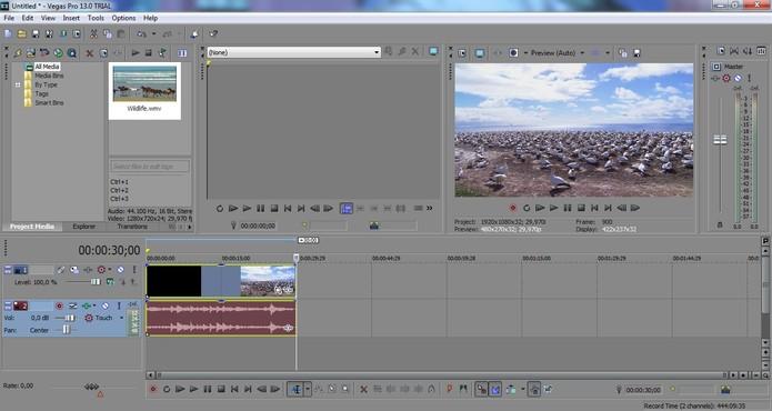 Abra o Sony Vegas e escolha um vídeo para ser editado (Foto: Reprodução/Juliana Pixinine)