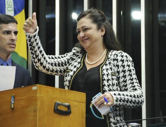 Kátia Abreu durante votação para presidente do Senado neste domingo (1) (Foto:  Geraldo Magela\Agência Senado)
