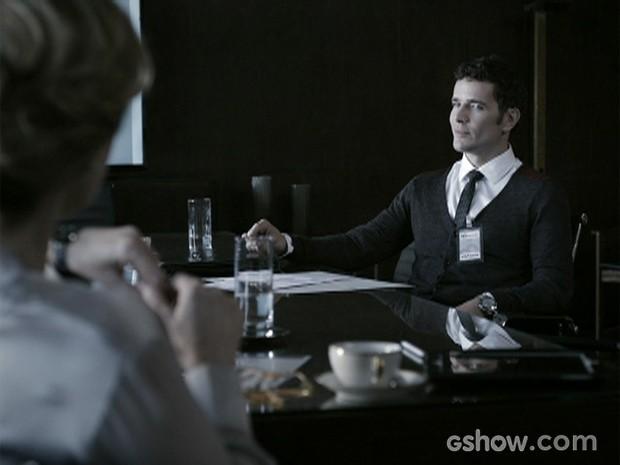 Angela contrata Bruno para trabalhar na Mahler engenharia (Foto: O Rebu / TV Globo)