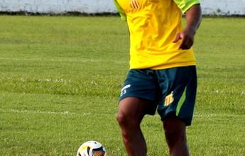 Aguardando Luíz Otávio e Edgar, Sampaio mira duelo com o Vila Nova
