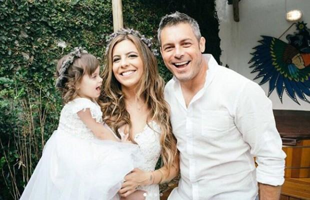Luigi Baricelli casa a filha, Rúbia Baricelli, e a neta, Helena (Foto: Rafael Canuto)