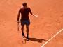 Ainda com dores, Federer joga mal e cai diante de Thiem em Roma