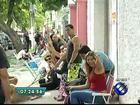 Fãs dormem na fila para conseguir ingressos para show do A-ha no Pará