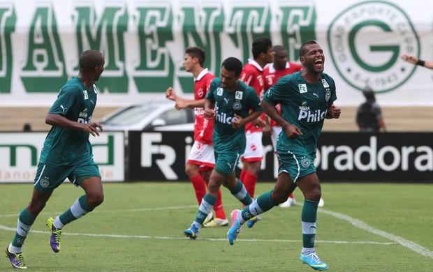 Vila Nova 1 x 3 Goiás - Campeonato Goiano 2014 (Foto: Benedito Braga / O Popular)
