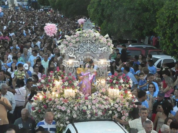 Procissão realizada em Santana do Matos para homenagear a padroeira da cidade (Foto: Divulgação)
