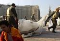Militares removem barracas da praça Tahrir, foco de protestos no Cairo