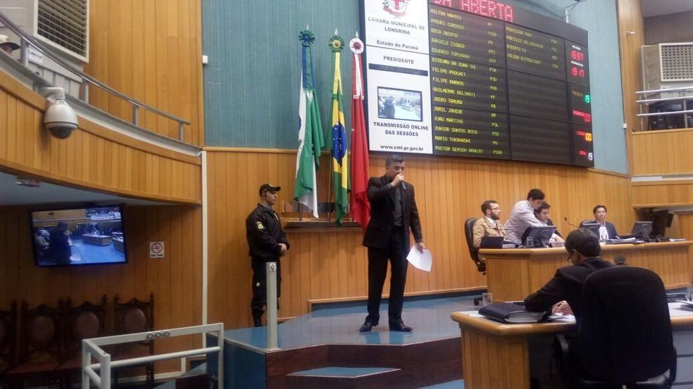 Boca Aberta apresenta sua defesa na sessão da Câmara de Vereadores desta quinta-feira (6) (Foto: Fábio Silveira/RPC)