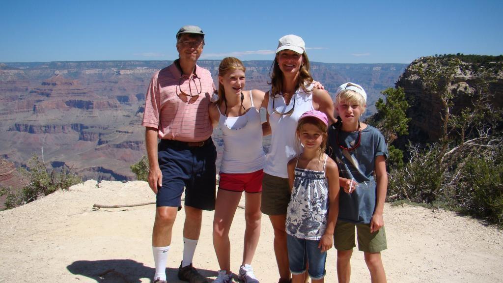 A família Gates, a mais rica do mundo (Foto: Reprodução/Twitter)