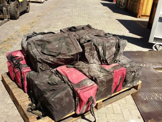 Polícia Federal e Alfândega encontraram 760 kg de cocaína dentro de contêineres no Porto de Santos (Foto: Divulgação/Receita Federal)