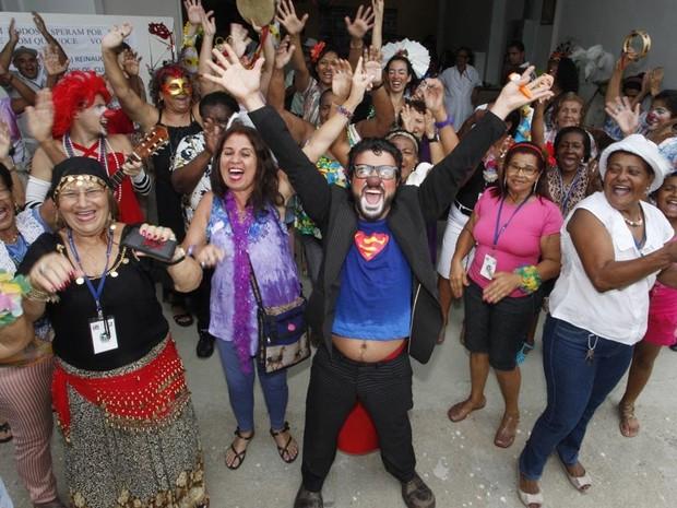 Bloco Seringa Solta anima reinauguração de centro hospitalar em Campo Grande  (Foto: Divulgação/ SES)
