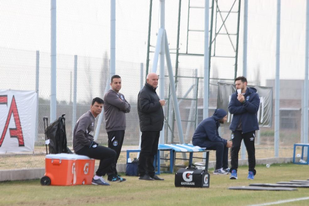 Valdir Espinosa, no centro, voltou ao Grêmio na mesma época de Renato (Foto: Eduardo Moura/GloboEsporte.com)