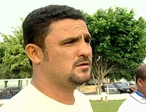 Marcelo Cabeção, técnico do São Mateus (Foto: Reprodução/TV Gazeta Norte)