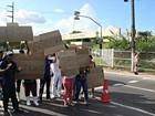 Funcionários de empresa terceirizada protestam em hospital de Manaus