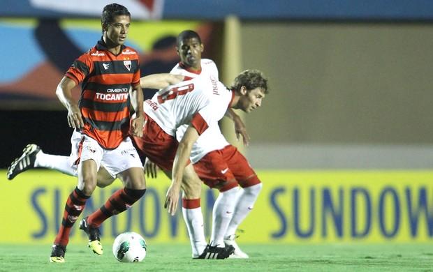 Ricardo Bueno, Internacional e Atlético-Go (Foto: Adalberto Marques / Agência Estado)