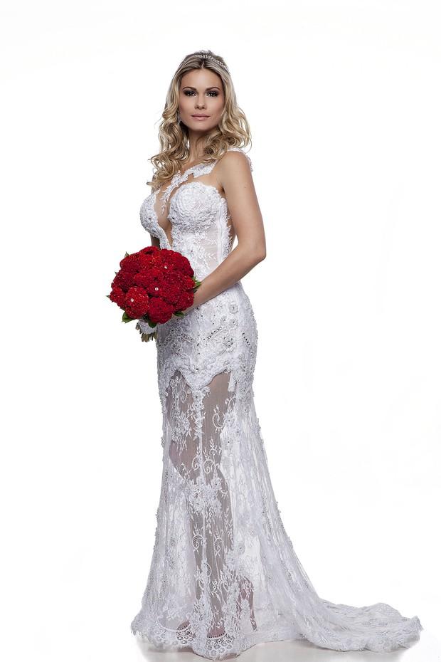 Karen Junqueira na revista 'Noivas e noivos' (Foto: Divulgação)