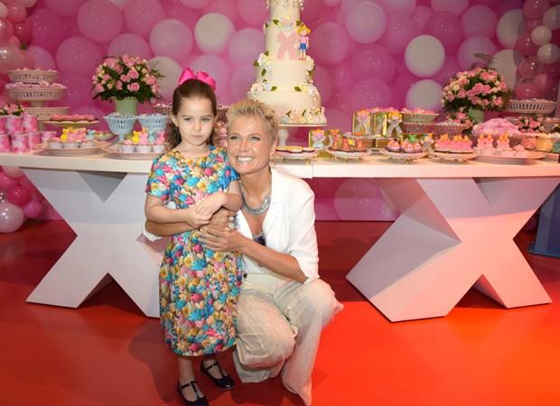 Xuxa visita Casa X em Teresina (Foto: Blad Meneghel/ divulgação)