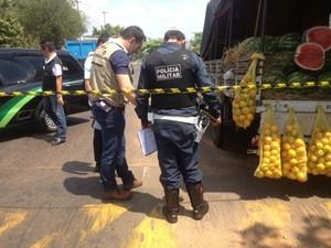 Ciclista morre após bater em fruta e ser atropelado em MS (Foto: Nadyenka Castro/G1 MS)