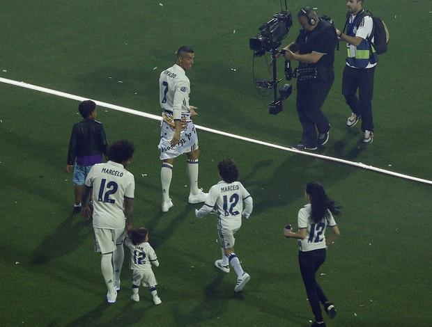 BLOG: Filho de Cristiano Ronaldo dá show de habilidade na festa do título do Real