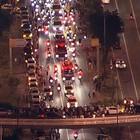 Multidão seguiu o cortejo, que durou 2 horas (Reprodução / TV Globo)