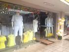 Lojistas apostam na cor amarela para 'atrair dinheiro' e vendas no Réveillon