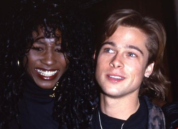 Brad Pitt e Sinitta (Foto: Reprodução)