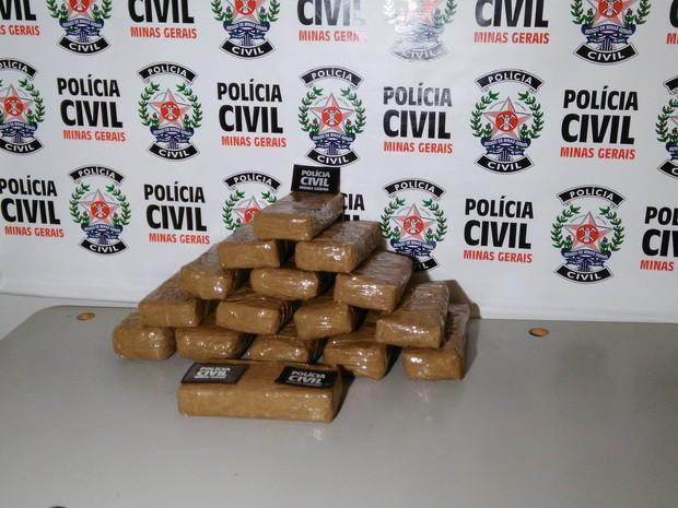 coletiva cocaína uberlândia (Foto: Rafael Leonel/G1)