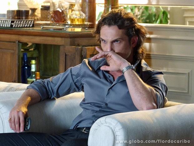 Alberto fica irado com pedido de Samuca (Foto: Flor do Caribe / TV Globo)