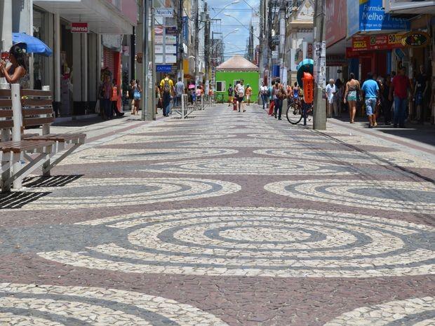 Centro Comercial de Aracaju vazio (Foto: Tássio Andrade/G1)