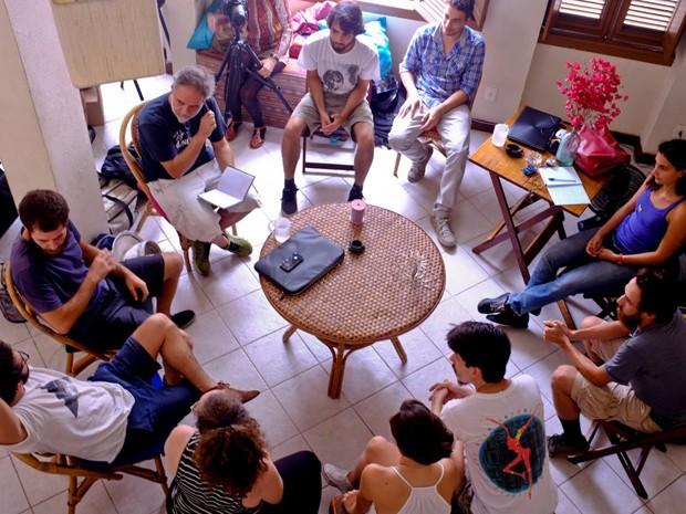 Mesa-redonda no Fabuloso Café de janeiro (Foto: Divulgação/Luísa Fosco)