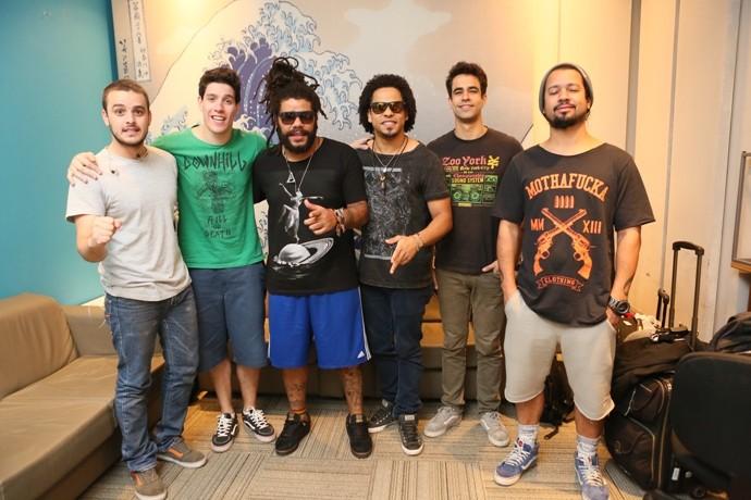 Músicos da banda Onze:20 vão tocar no palco do Domingão neste domingo (Foto: Isabella Pinheiro)