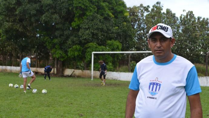 Irani de Almeida, técnico do Ji-Paraná (Foto: Samira Lima)
