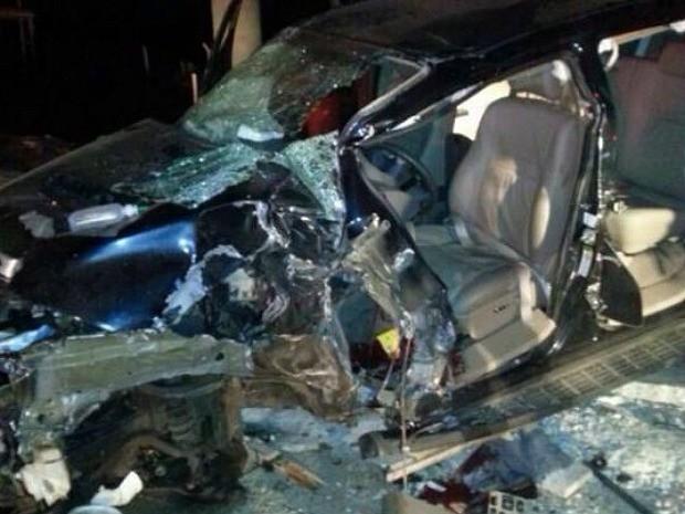 Veículo de Francisco de Sales ficou destruído com o acidente (Foto: Mirella Vieira)