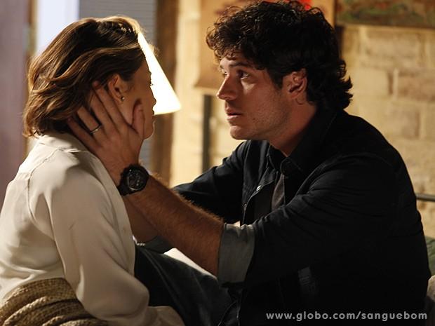 Bento sugere que Amora procure um tratamento para seus traumas (Foto: Sangue Bom / TV Globo)