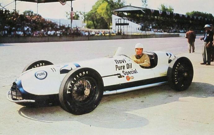 Chet Miller em foto de 1952, um ano antes do acidente fatal sofrido em Indianápolis (Foto: Reprodução / Twitter)