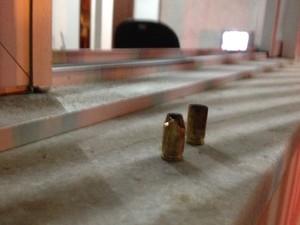 16 de novembro - Ninguém ficou ferido no ataque contra a base da PM no Campeche, em Florianópolis (Foto: João Salgado/RBS TV)