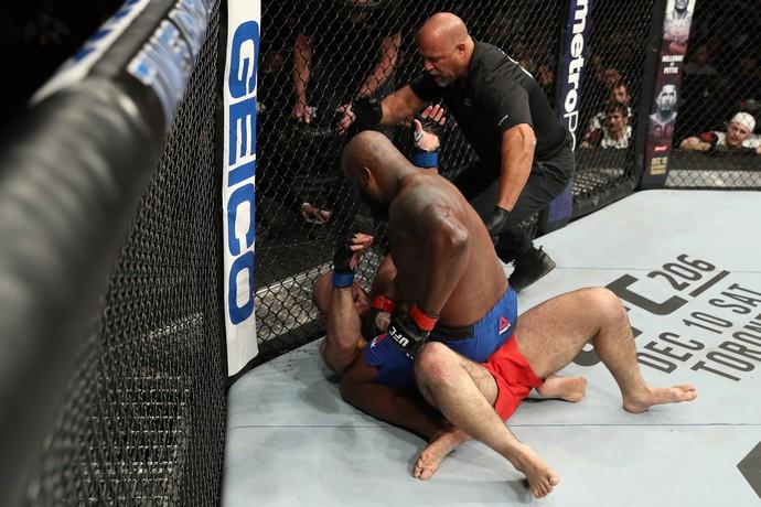 Derrick Lewis x Shamil Abdurakhimov, UFC Albany (Foto: Getty Images)