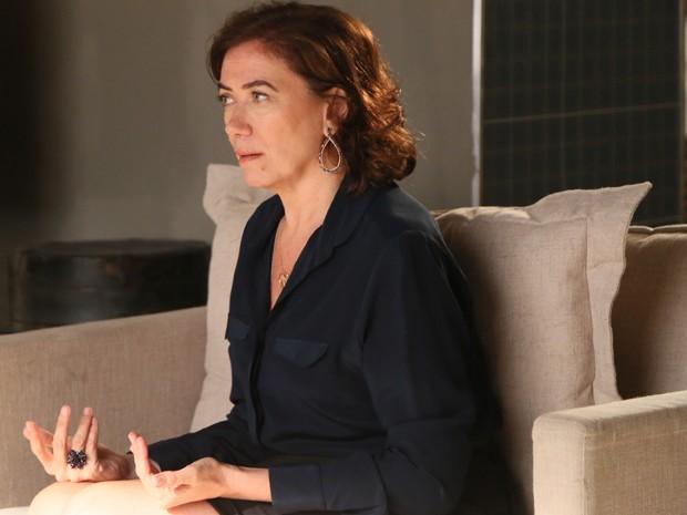Marta fica desconfiada de Maurílio (Foto: Isabella Pinheiro/ Gshow)