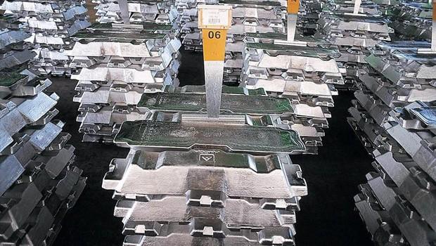 Produção de alumínio da Alcoa (Foto: Agência EFE)