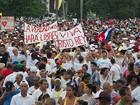 Cubanos lotam a Praça da Revolução em Havana para a missa do Papa