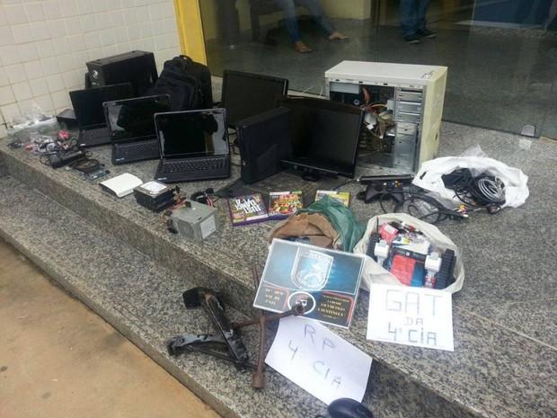Material foi encaminhado para 148ª DP (Foto: Divulgação/Polícia Militar)