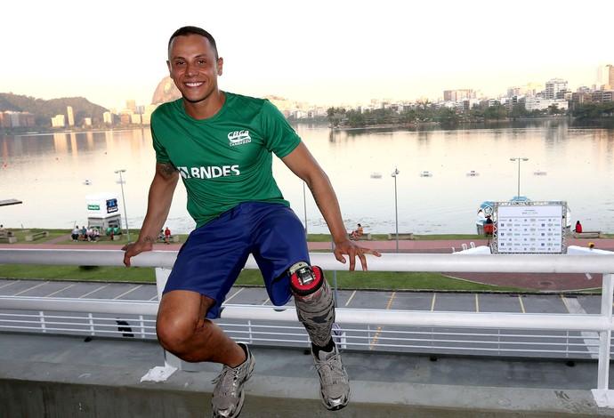 Guilherme Borrajo campeonato de canoagem na Lagoa (Foto: André Durão / Globoesporte.com)