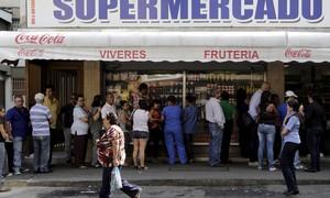 Economia da Venezuela caiu 5% em 2015, diz Nicolás Maduro