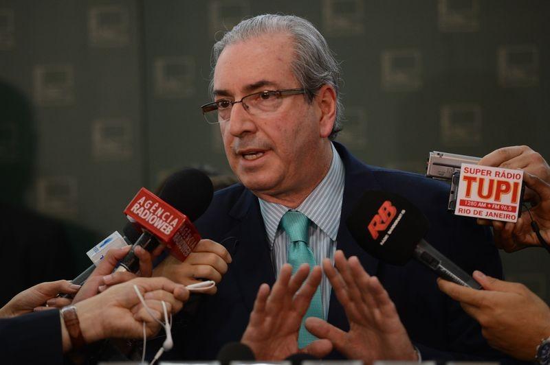 Cunha desiste de viagem à Itália após denúncia
