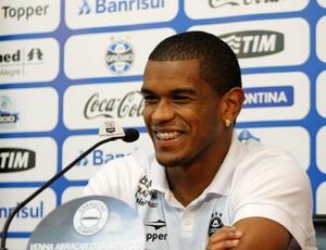 Fernando, volante do Grêmio (Foto: Diego Guichard/GLOBOESPORTE.COM)
