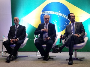 Executivos da companhia aérea Azul anunciam início de operação de voos internacionais partindo de Campinas (SP) (Foto: Fernando Pacífico/G1 Campinas)