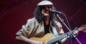 Moraes Moreira canta Novos Baianos