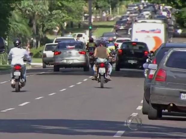 Trânsito Campo Grande (Foto: Reprodução/ TV Morena)